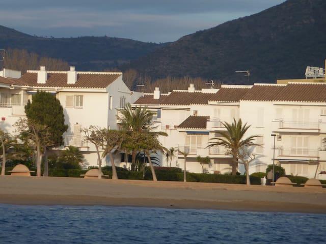 Apartamento playa Rosas