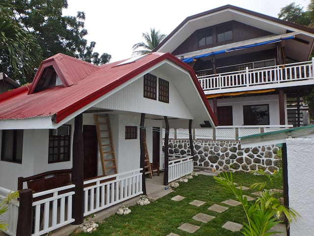 Diver Joe's Beach Resort - Mabini - Rumah