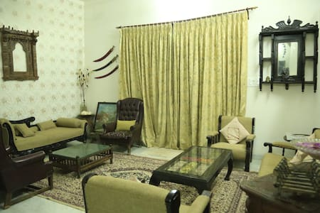 Gorgeous Family Homestay @ near marval water park