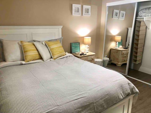 Queen bed with premium bedding