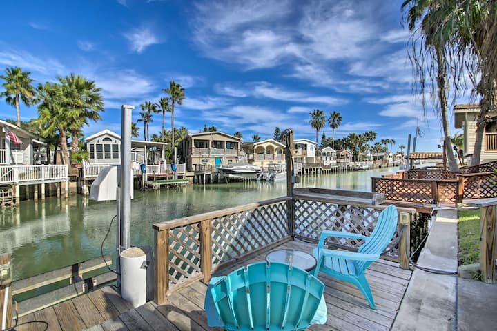 NEW! Waterfront Port Isabel Cottage w/ Boat Lift!