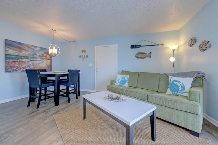 Indian shores 1 bed 1 bath sleeps 4 Intercostal water way #1 caddys next door