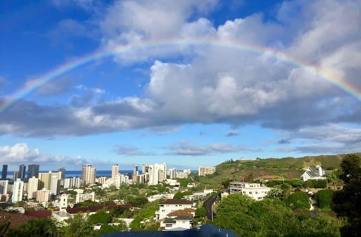Spacious Honolulu studio in ideal location
