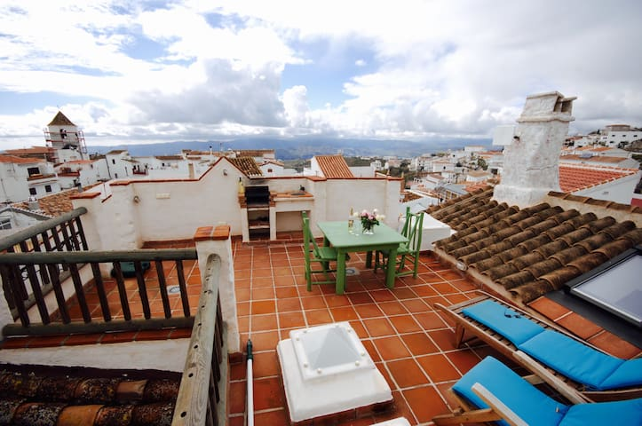 Enchanting Village house with a great view for 4 - Canillas de Aceituno - Huis