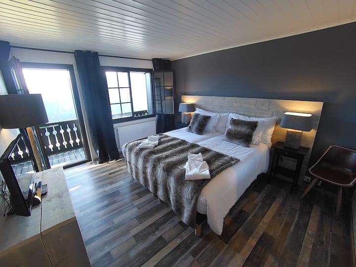 Chambre deluxe avec balcon à Champoussin