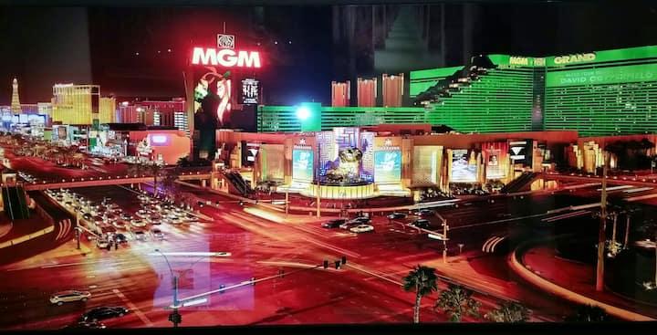 Signature at MGM Balcony Suite 2173 NO RESORT FEES