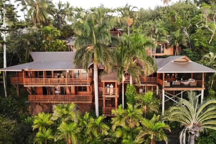 Pebble Beach Private beach house  Hamilton Island