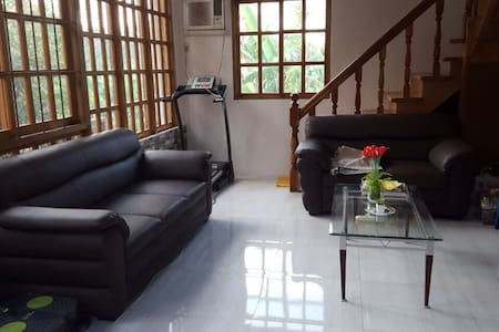FULLY-FURNISHED RESTHOUSE+VERANDA+NEARBY POOLS - Mataasnakahoy - 度假屋