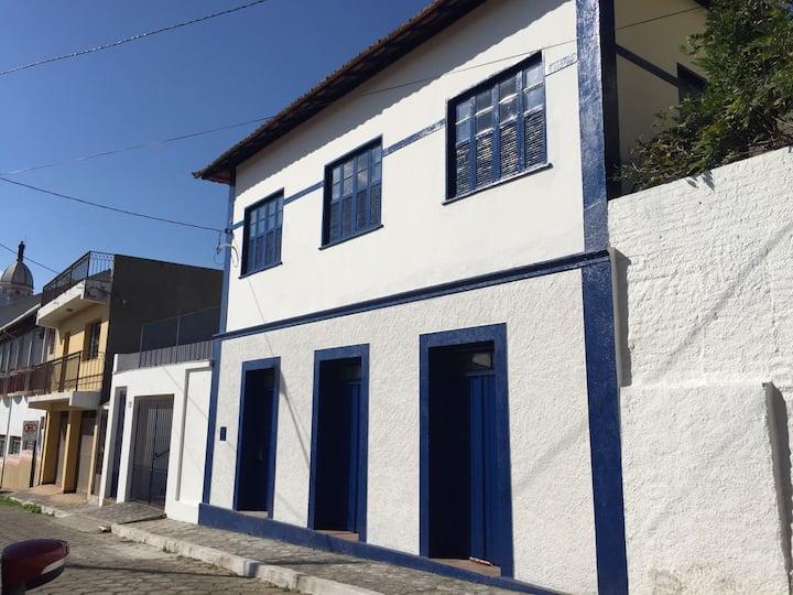 Casa Histórica na rua da Igreja Matriz