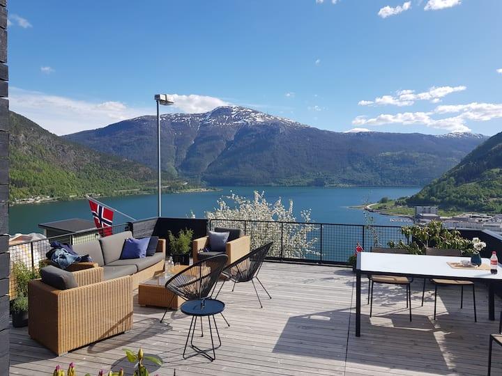 Villa med fantastisk utsikt i Sogndal