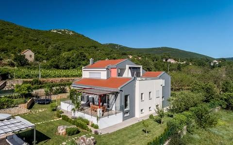 Luxury Villa Nadalina with heated pool