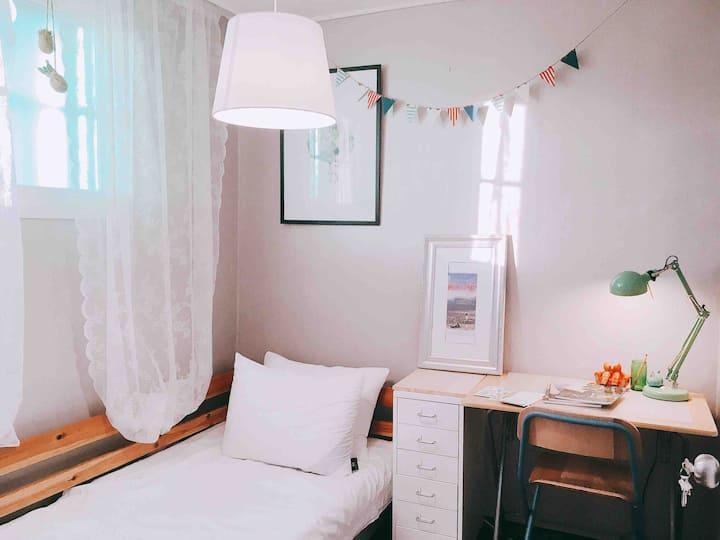 [HongDea/DMC] PlutoART Single Room
