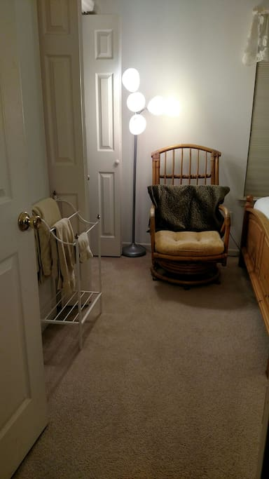 2 closets, hangars, towel rack