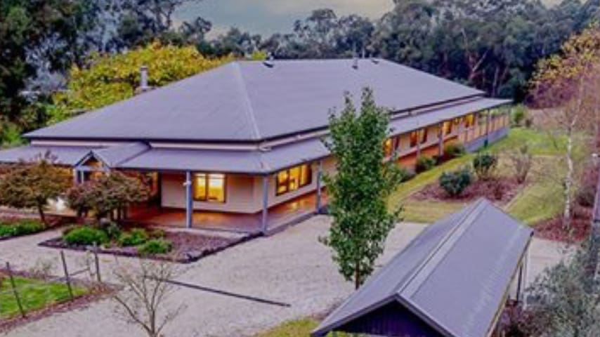 Luxury Farmstay in Rural Victoria - Tonimbuk - Huis