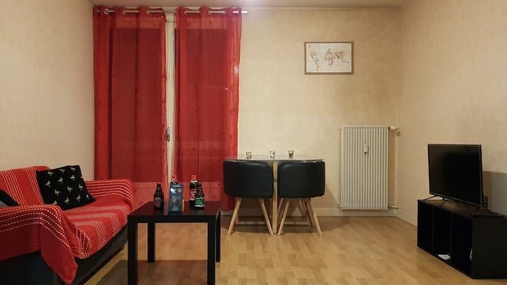 Appartement entier T2 balcon & PARKING
