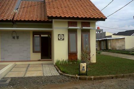 disewa rumah baru di bojong gede - Bojong Gede