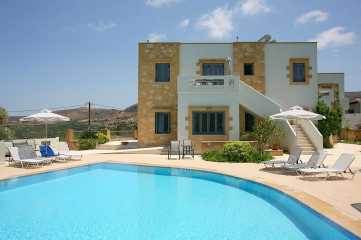THEALIA apt.with pool- (ΘΕΑΛΙΑ) - Kissamos - Lägenhet