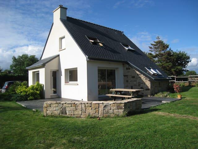 Maison au calme à 10 km des plages - Ploemel