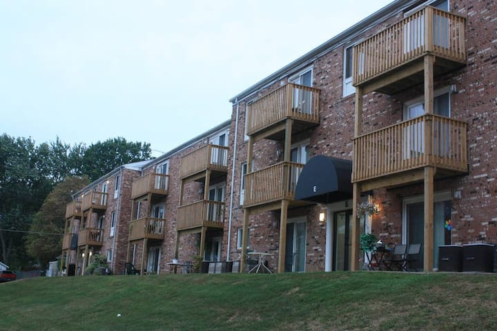 D4|Private, smoker-friendly furnished apartment