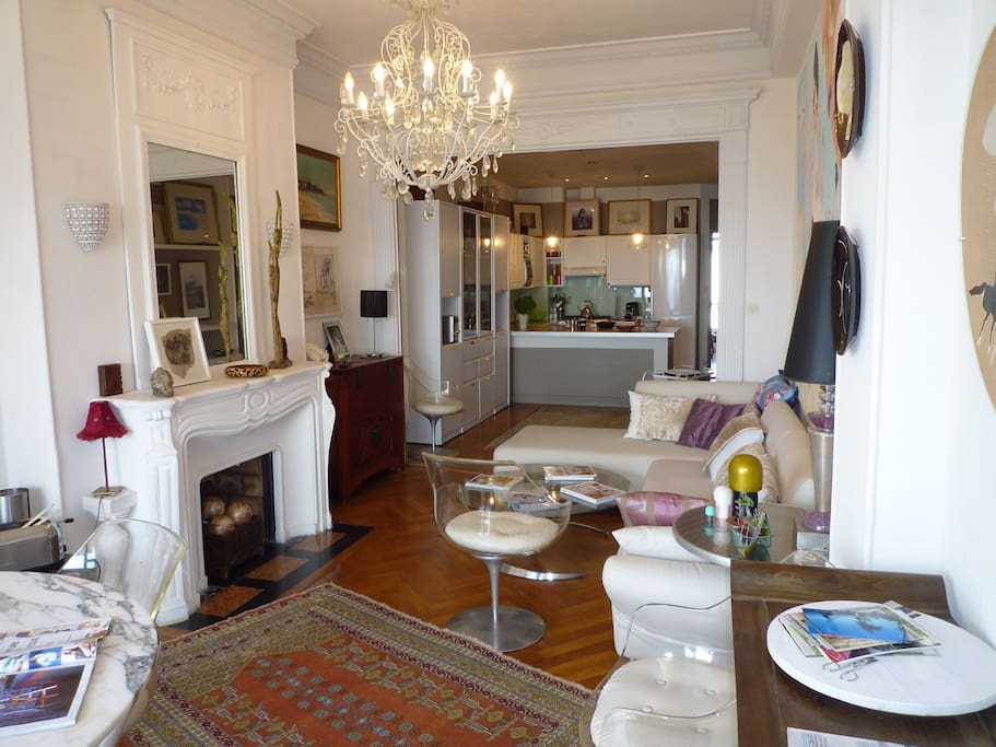 belle décoration avec meubles modernes
