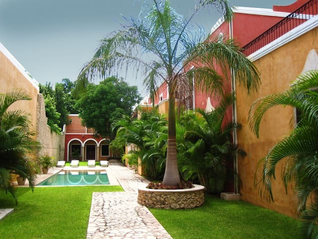 Luxury Houses in Historic Center - Merida - Casa