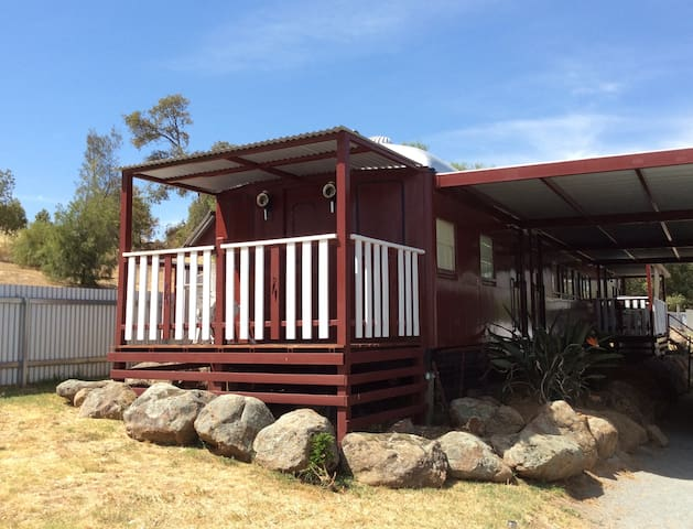 Junee Rail Carriage B&B