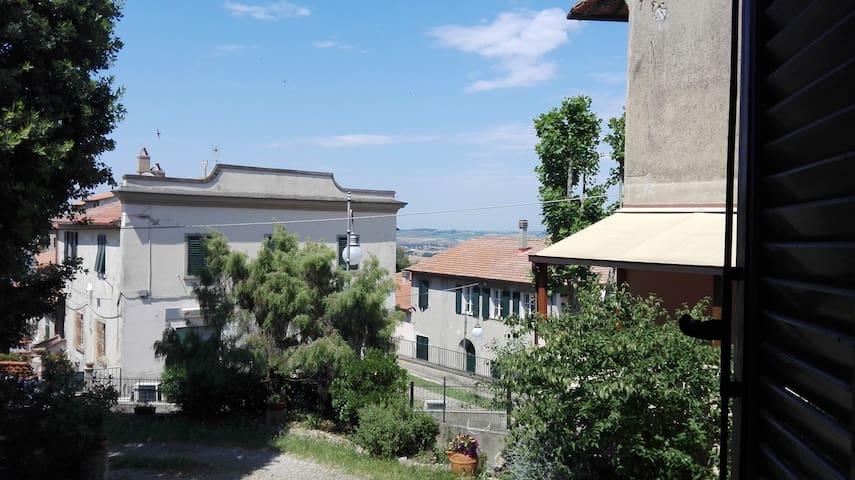 Comodo bilocale a Castelnuovo della Misericordia.