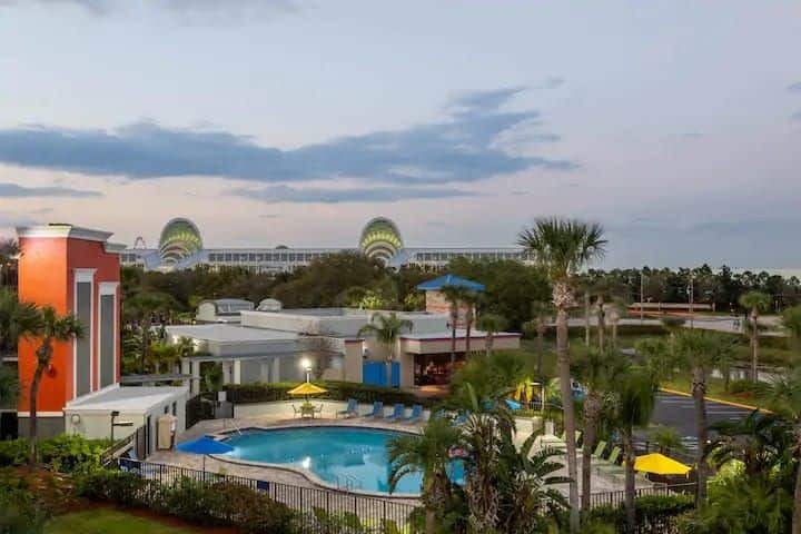 Best Hotel Orlando near SeaWorld #8