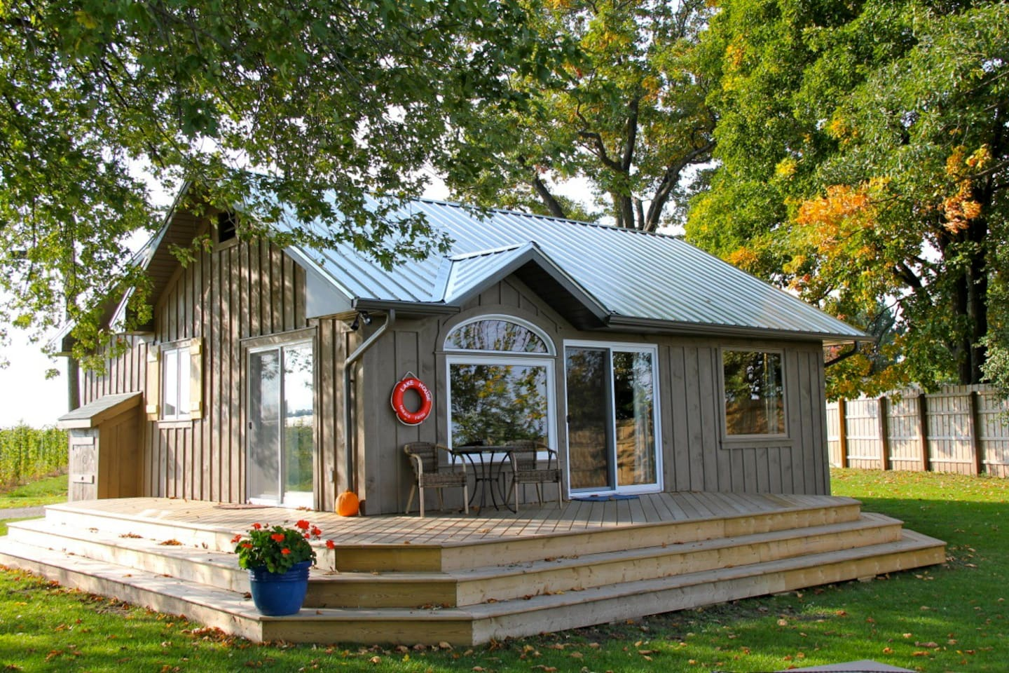 This is the front of the 3 bedroom Lake House cottage that faces Lake Ontario
