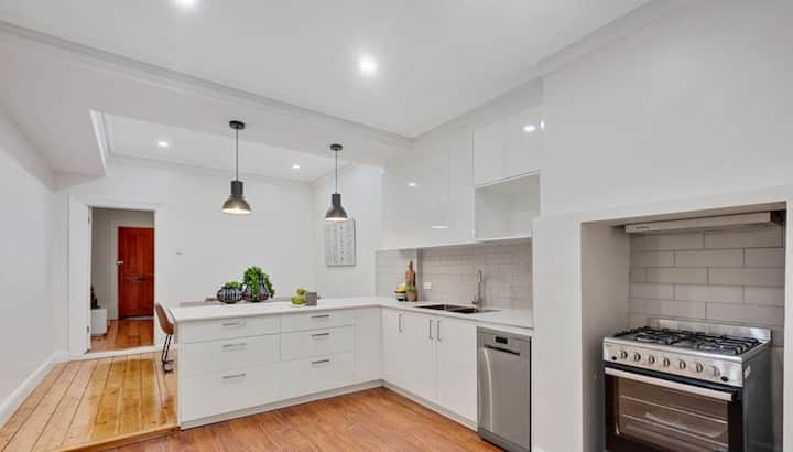 Short Walk To Adel Oval ★1Bed Cottage ★WI-FI★ North Adelaide