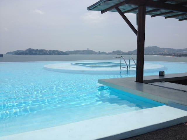 Condominio de lujo frente al mar en zona dorada - Acapulco - Lägenhet