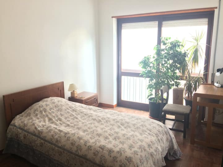 Casa Branca room with big window