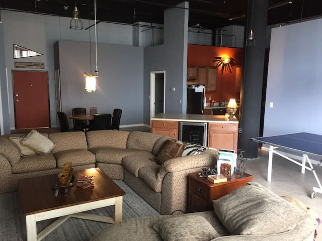 CLE 2000 sq ft updated loft - Cleveland - Appartement