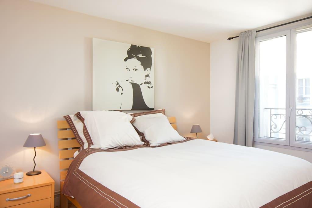 Studio de luxe montmartre appartements louer paris - Appartement de luxe studio schicketanz ...