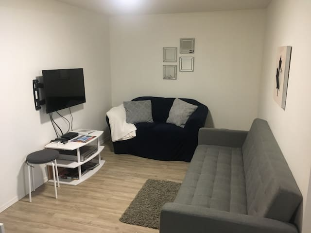 Henderson Suite