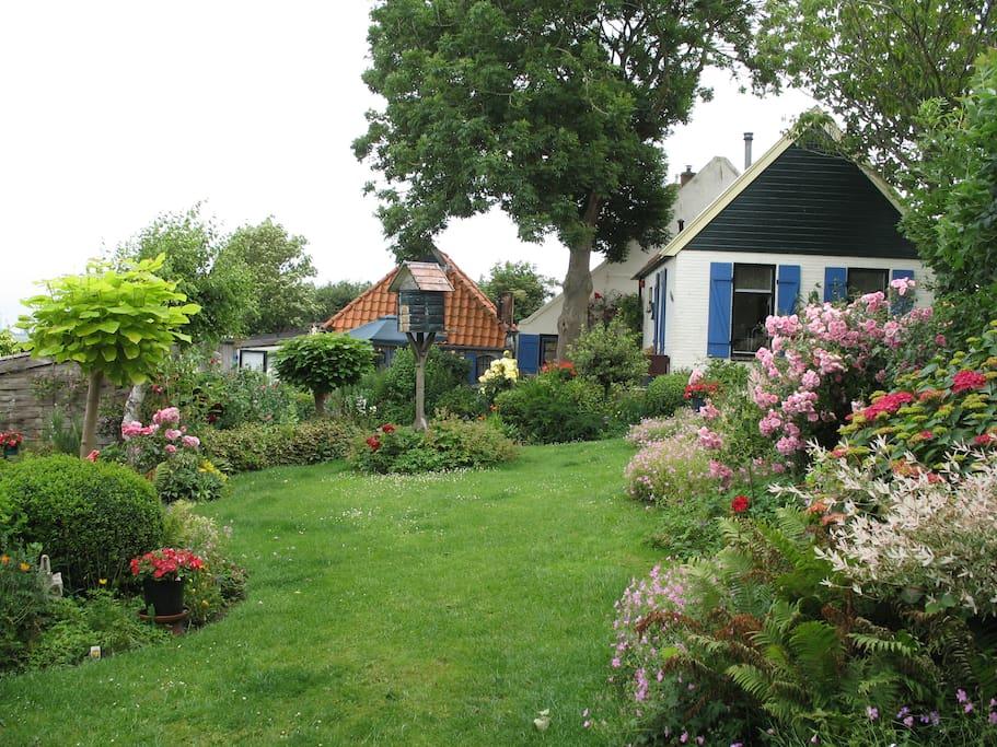 Logeren bij de edelsmid huizen te huur in sint for Huizen te koop friesland