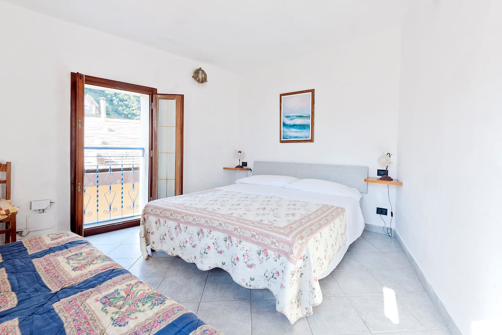 Vernazza Rooms For Rent