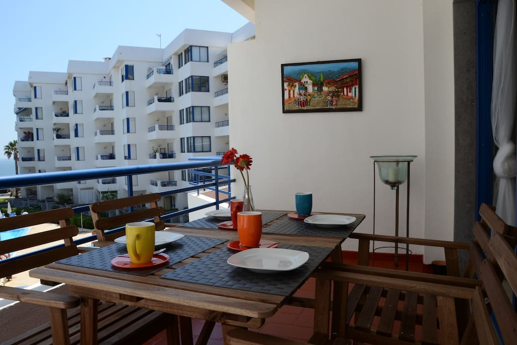 Sea view balcony, ideal for breakfast or an evening drink