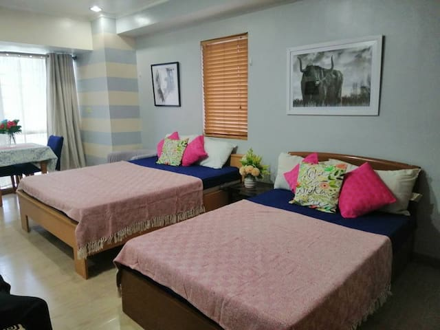 40sqm studio in BGC near Market market and SM aura