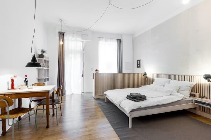 Berlin Neukölln - central handcrafted studio