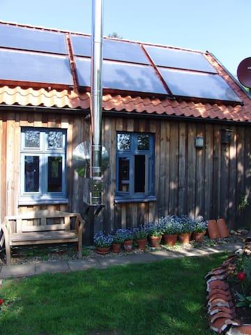 Bio- FeWo mit Kaminofen, Sauna und Garten