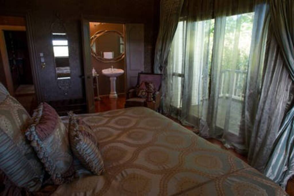 Aubert Room - with Ensuite