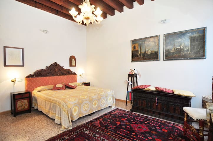 Cute and fully restored apartment