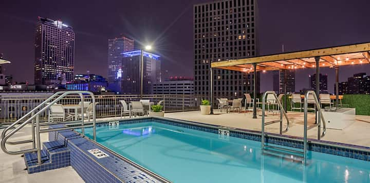 Eclectic Resort in New Orleans Theatre District
