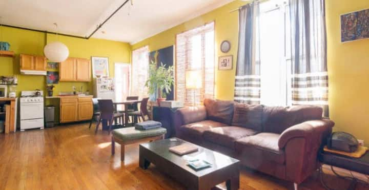 Sunny/Spacious bedroom in East Williamsburg!