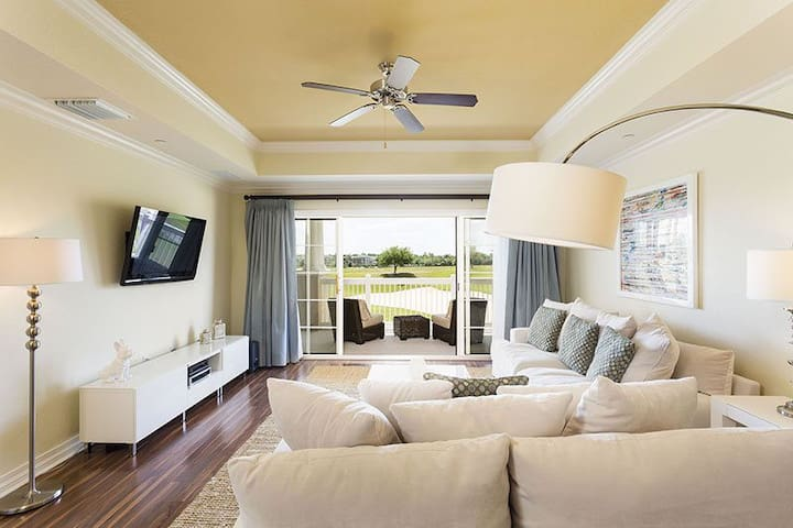 Second Floor Condo With Golf Views