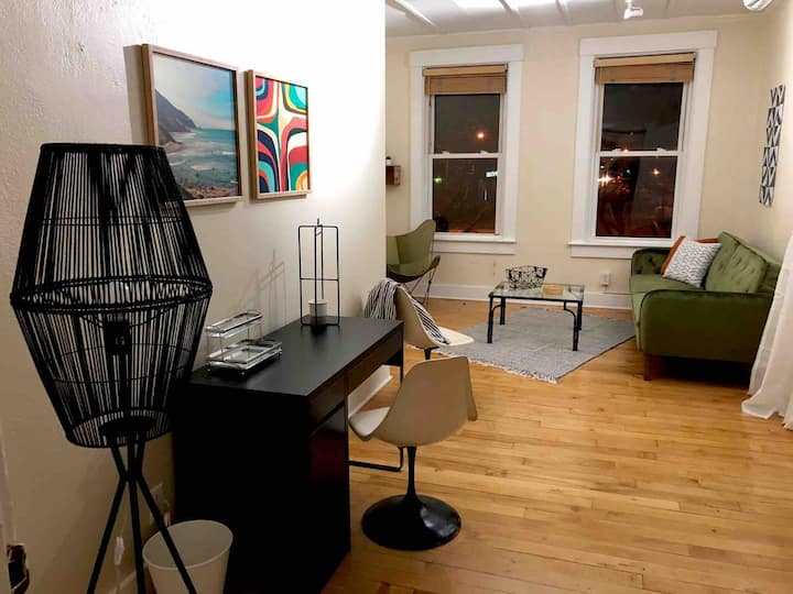 Enjoy Downtown from Bright Loft w/ Free Parking