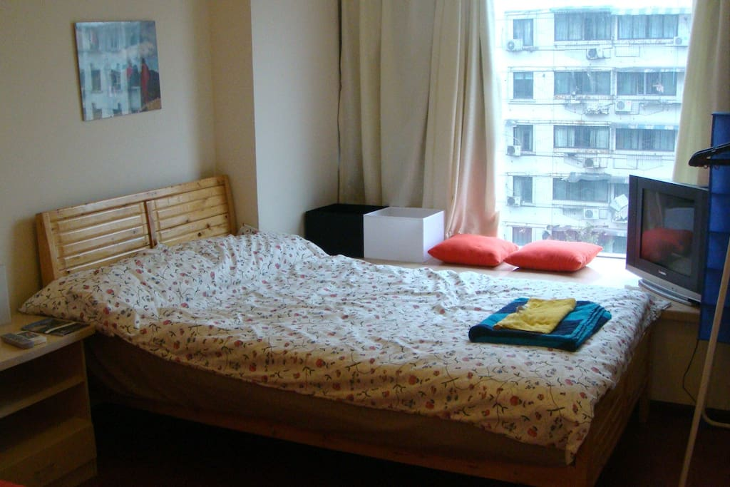 小房间Smaller bedroom