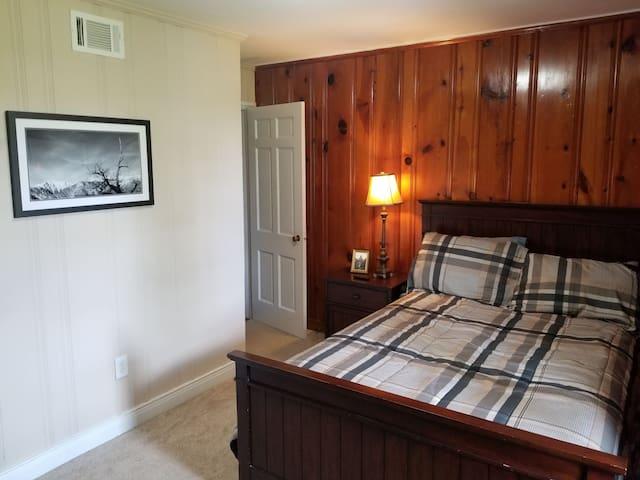 Private bedroom in Thomson, GA