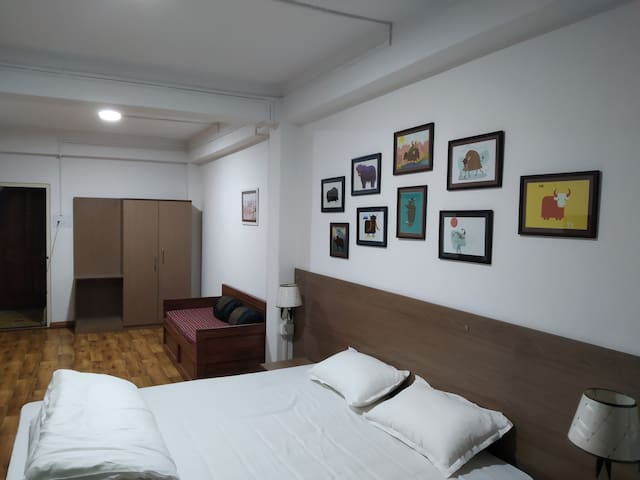 Dekhang House @ Spacious Room with Breakfast for 2
